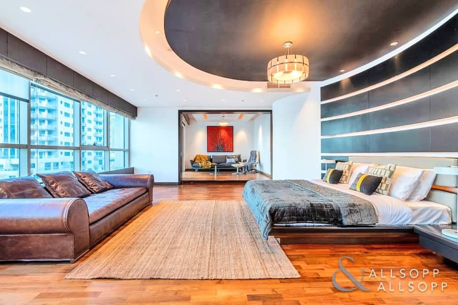 10 Full Floor Penthouse | 4 Bed | Upgraded