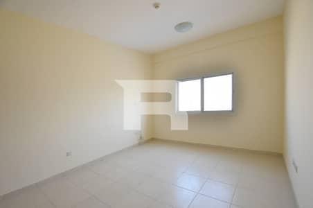 فلیٹ 2 غرفة نوم للايجار في المدينة العالمية، دبي - 2 BR with Closed Kitchen| Storage  Room