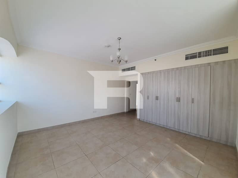 2 Distress Deal|Good Layout |Ready to Move