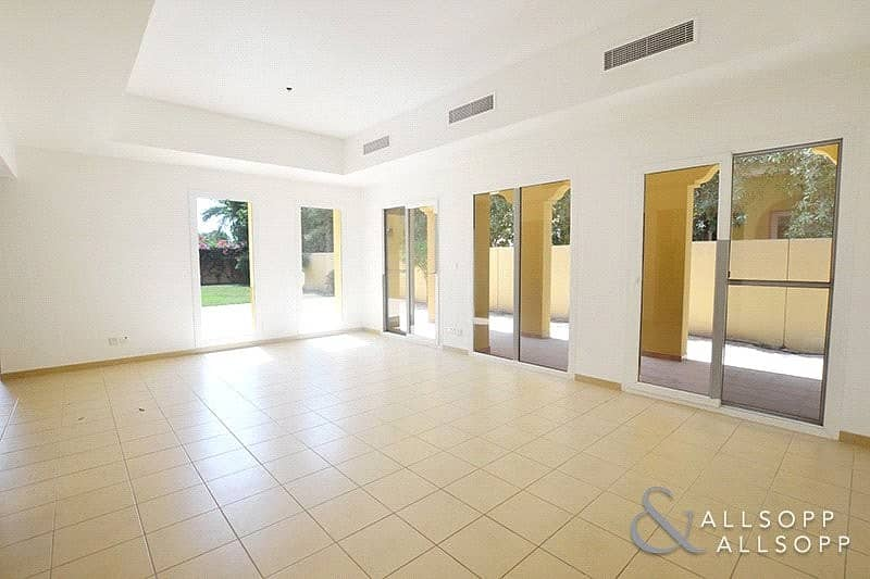 2 A Type | 3 Beds | 11000 Sq. Ft. | Vacant