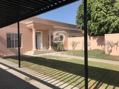3 Bedroom Villa for Rent in Umm Suqeim, Dubai - Beautiful Fully Renovated Single Storey Villa