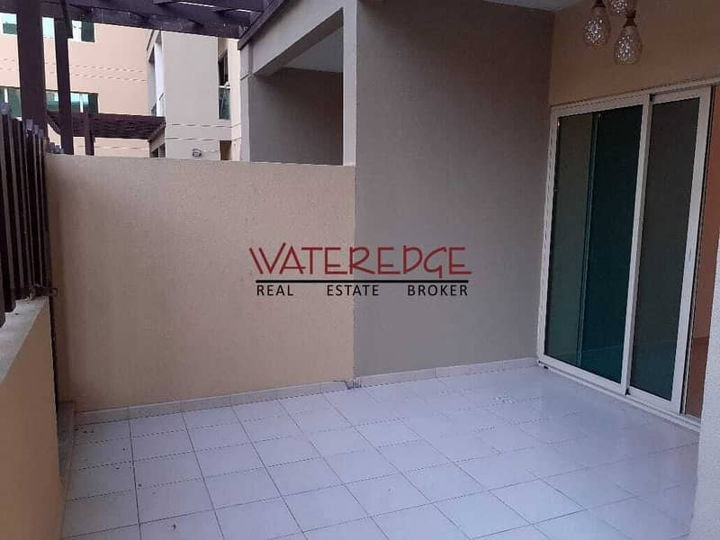 2 New Upgraded I 1BR Courtyard I Facing Pool