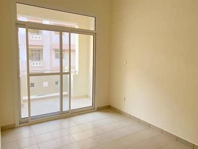 شقة في الحي الصيني المدينة العالمية 2 غرف 36000 درهم - 4903900