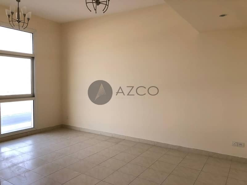 2 HIGH QUALITY LIVING   CLOSED KITCHEN    COMMUNITY VIEW