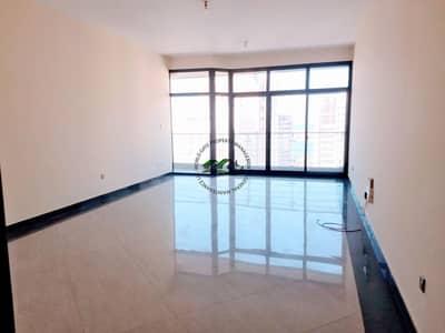 شقة 3 غرف نوم للايجار في شارع الكورنيش، أبوظبي - Huge 3BR Apt| Balcony| Parking | Maid's Room