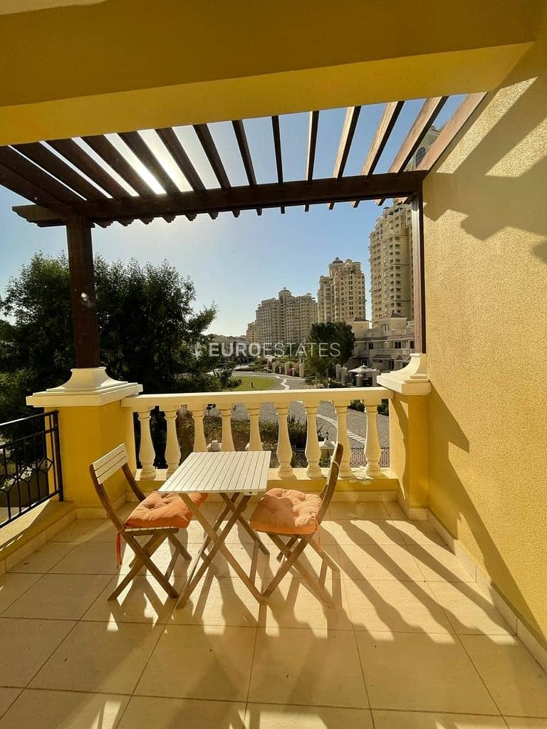 2 Furnished Townhouse Type C With Terrace + Garden