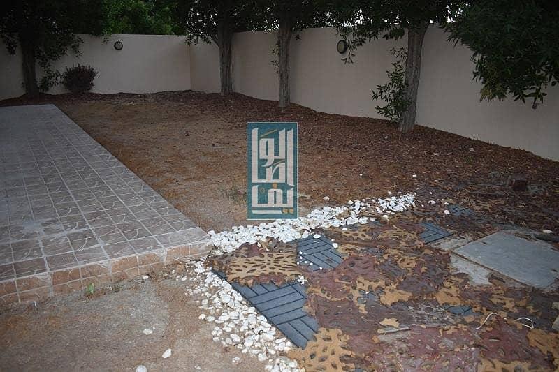 2 Amazing 4 BR Villa | Move-In Ready | Private Garden !!
