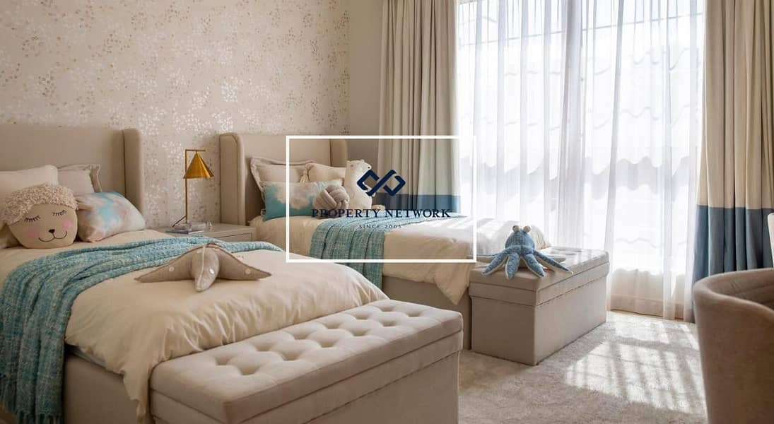 2 Luxurious 5-bedroom Villa in Nad Al Sheba