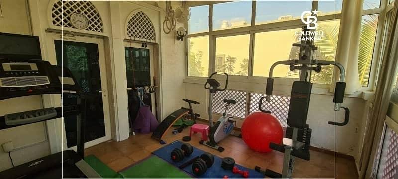 2 Luxurious 4BR Villa located in Jumeirah Park
