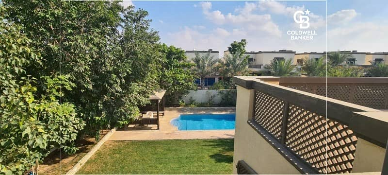 10 Luxurious 4BR Villa located in Jumeirah Park