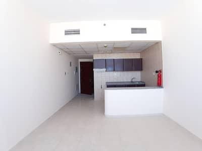 استوديو  للايجار في النهدة، الشارقة - شقة في النهدة 15000 درهم - 4999670