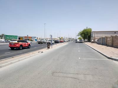 Industrial plot for yearly rent in Al Quoz on the Main road