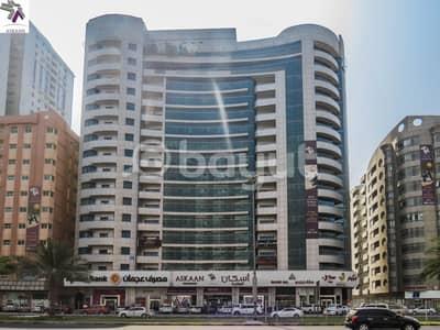 فلیٹ 3 غرف نوم للايجار في شارع الشيخ خليفة بن زايد، عجمان - Huge 3 Bedroom Apartment for rent / on main road ( Bank Street) with Street view