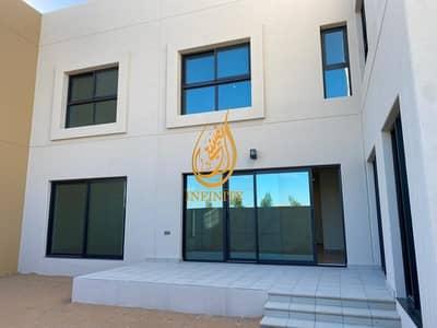 فیلا 5 غرف نوم للبيع في الرحمانية، الشارقة - Zero Commission!!  Own Luxury Five Bedrooms Townhouse with full Kitchen appliances