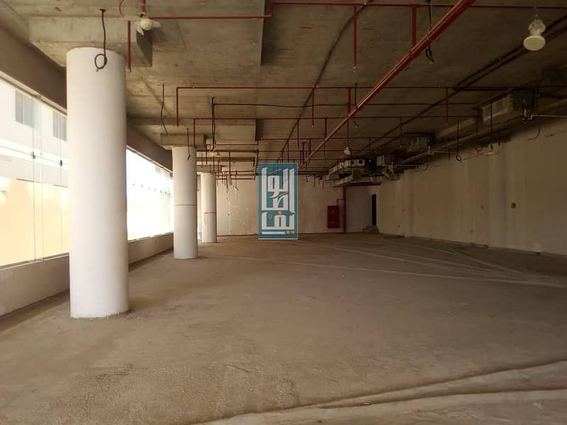 2 AMAZING SHELL AND CORE SHOWROOM CLOSE TO METRO ON SHEIKH ZAYED ROAD