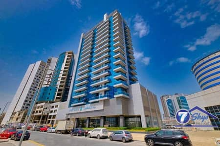 Studio for Rent in Business Bay, Dubai - Spacious Unit I Very Bright I Middle Floor