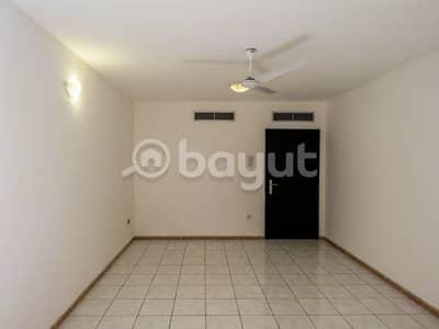 2 Bedroom Flat for Rent in Deira, Dubai - 2 BHK spacious apartment available in prime location at  Al Muraqqabat area in Dubai in  the heart of Deira