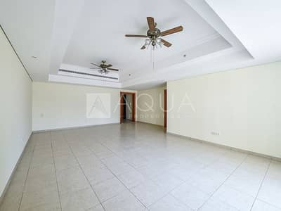 2 Bedroom Flat for Rent in Jumeirah Lake Towers (JLT), Dubai - Upgraded Unit | Maid's Room | Laundry Room