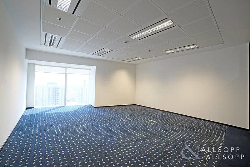 2 Fitted Office   Close to Metro   Chiller Free