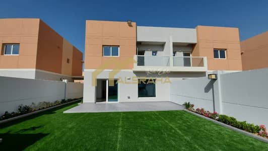 فیلا 4 غرف نوم للايجار في السمحة، أبوظبي - Brand New - Spacious 3 BR - Maid room - Private garden with BBQ - Amazing Offer !
