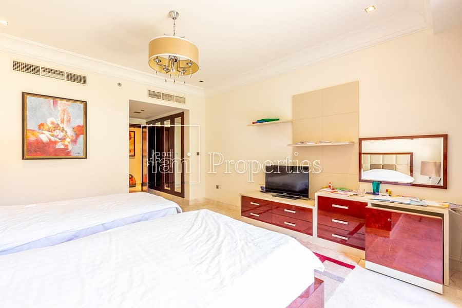 10 Luxurious apt with serviced amenities with garden