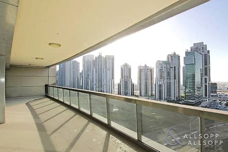 2 Bedroom Flat for Rent in Downtown Dubai, Dubai - Two Bedrooms | High Floor | Skyline View
