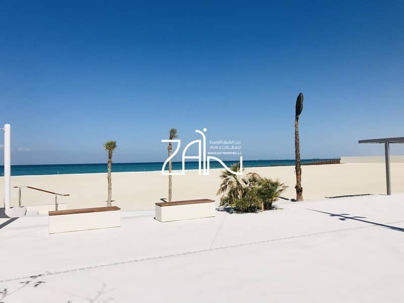 Sea View 5 BR Duplex Penthouse with Private Pool