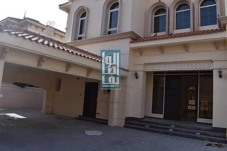 فیلا 6 غرف نوم للايجار في الصفا، دبي - New Renovated 6 Bedroom Villa with Private Garden!!