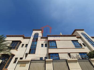 فلیٹ 2 غرفة نوم للايجار في المقطع، أبوظبي - Remarkable Two Bedroom Apartment with Facilities
