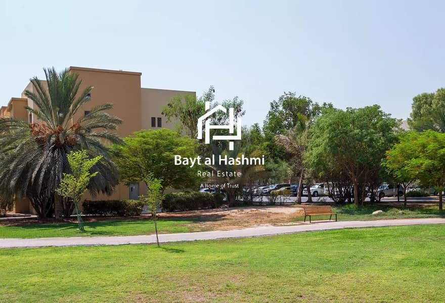 Maintenance Free!!! 30days Free Large 2 Bedroom w/ Balcony in The Gardens Near to IBN Mall