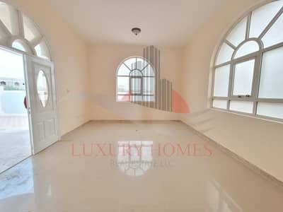 3 Bedroom Villa for Rent in Al Hili, Al Ain - Exquisite Layout Perfect Finishes near Dubai Road