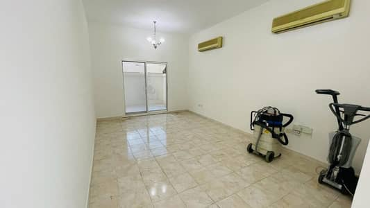 2 Bedroom Villa for Rent in Deira, Dubai - 2nd Room