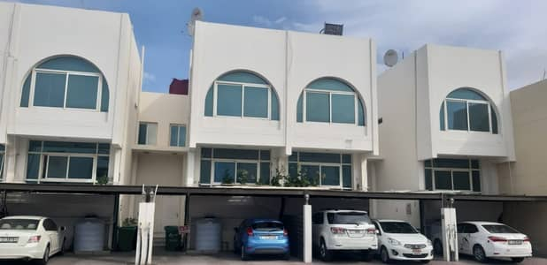 3 Bedroom Townhouse for Rent in Al Jafiliya, Dubai - Great offer. . . 3 + Maid Town House for rent in Jaffliya. . . !!