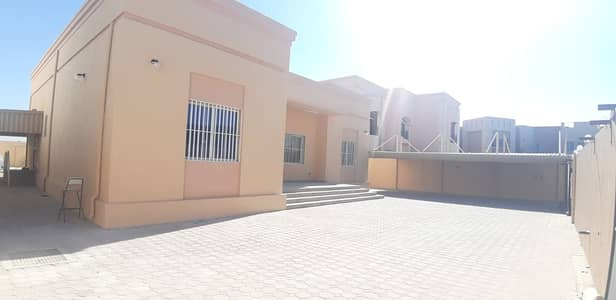 3 Bedroom Villa for Rent in Al Quoz, Dubai - Hot Offer . . . !!3 Bedroom Villa For rent in Alquoz 4