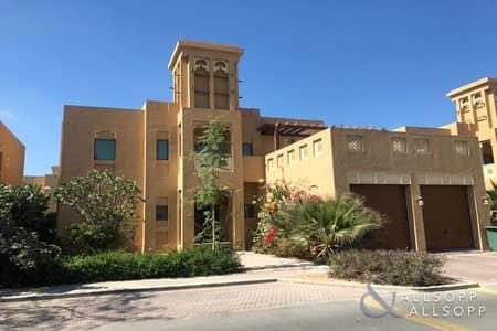 فیلا 3 غرف نوم للايجار في الفرجان، دبي - 3 Beds | Landscaped | Pool | Available Now