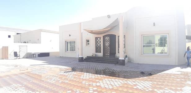 4 Bedroom Villa for Rent in Al Quoz, Dubai - 4+Maid Independent Villa in Al quoz 4. . . !!