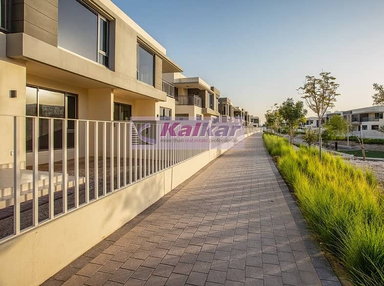 Type 2 End(4 Bedroom + Maid) @  Maple 3 close to park and pool single row  for SALE @ AED. 2.7 M
