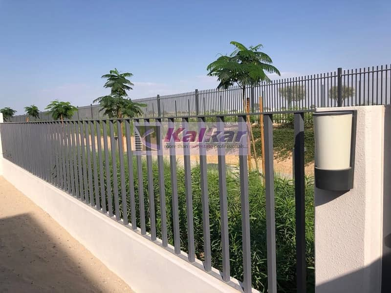 17 Type 2 End(4 Bedroom + Maid) @  Maple 3 close to park and pool single row  for SALE @ AED. 2.7 M