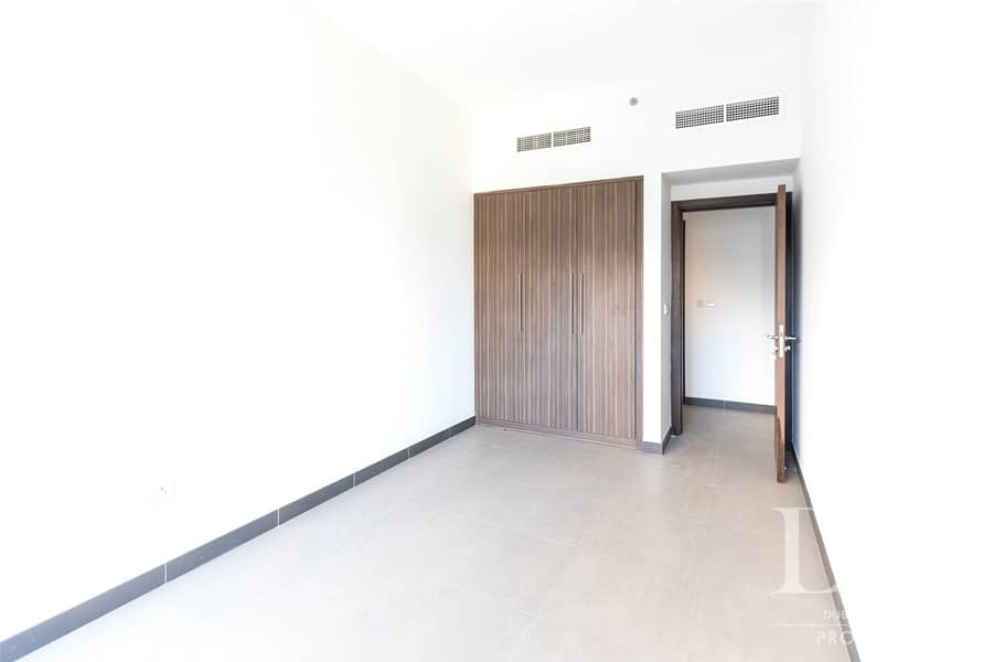 10 3BR   Panoramic View   Vacant