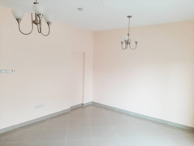 2 Up to 12chqs | Spacious Office | Near City Centre