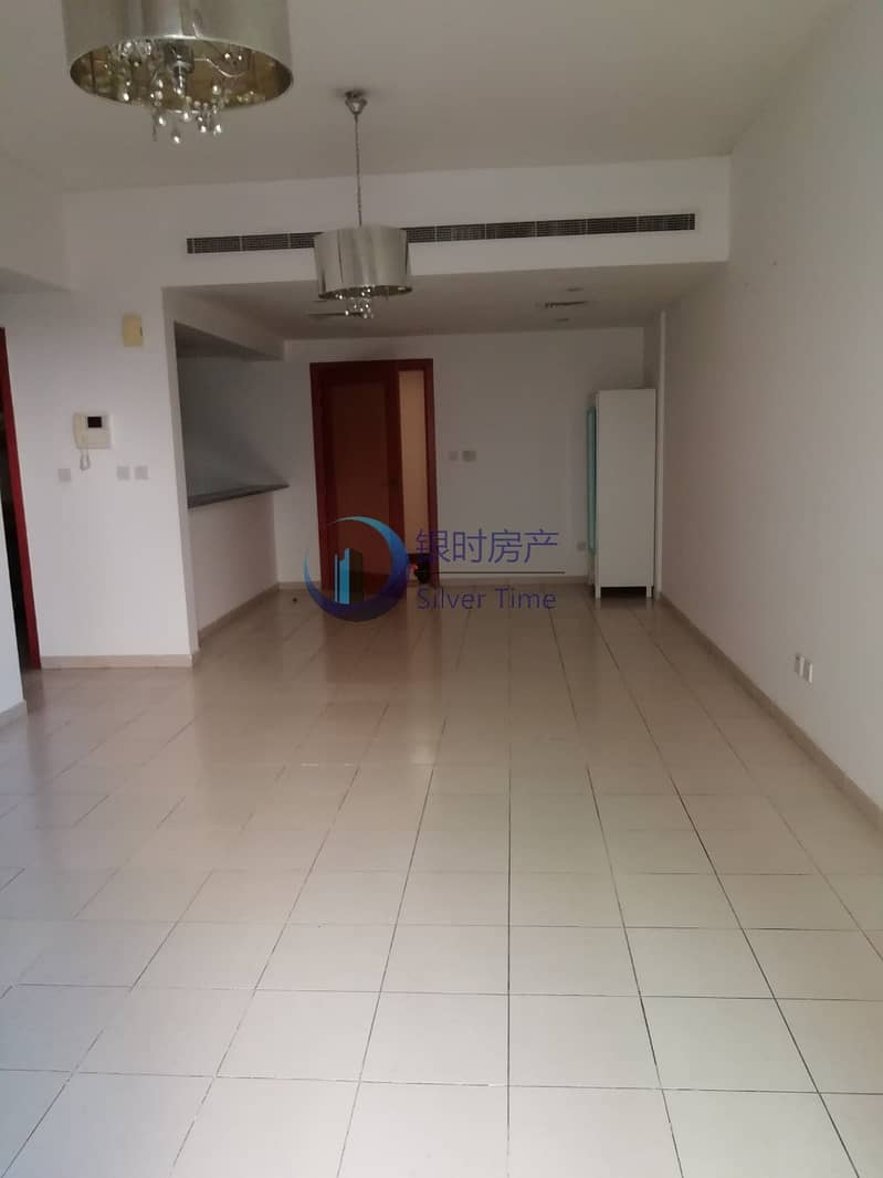 Well Maintained Unit | Ready To Move | White Goods