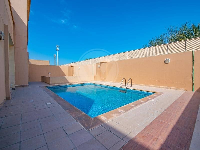 2 Huge size villa   Available now   Call for viewing