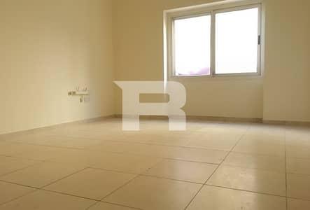 شقة 2 غرفة نوم للايجار في بر دبي، دبي - 2 Br Raffa Apt w Balcony| For Bachelors