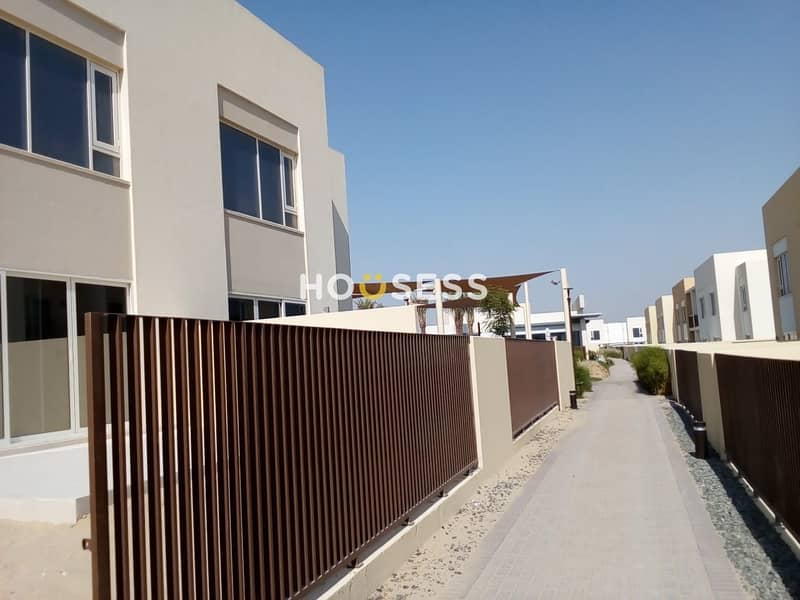 2 Bedrooms Brand New  Townhouse   Ready to Move