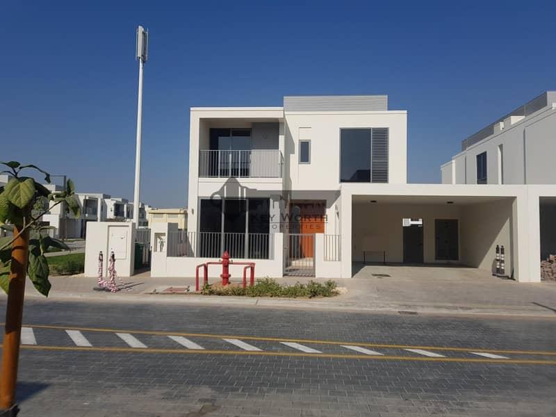 Corner villa  4BR with big plot | Greenery view !