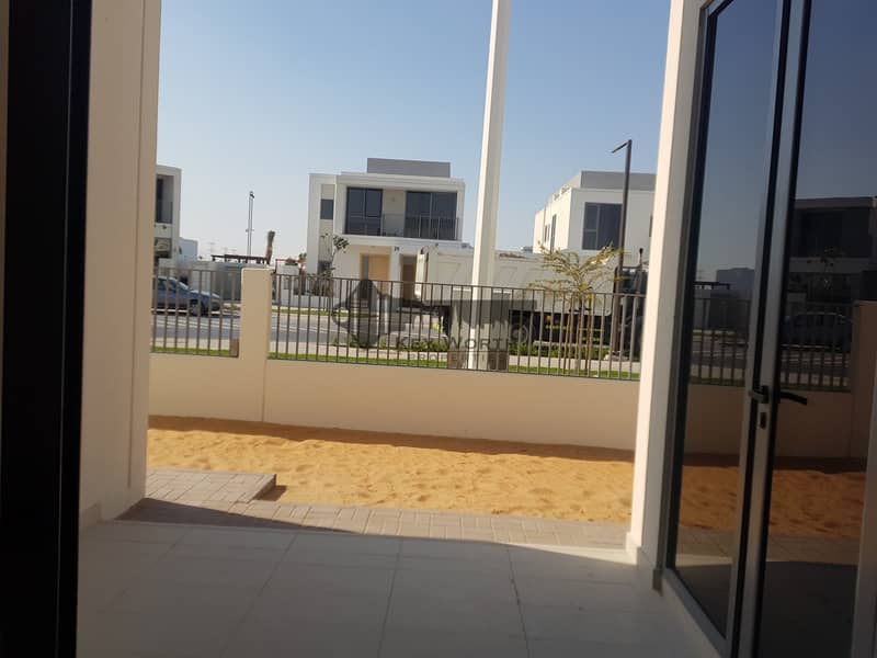 30 Corner villa  4BR with big plot | Greenery view !
