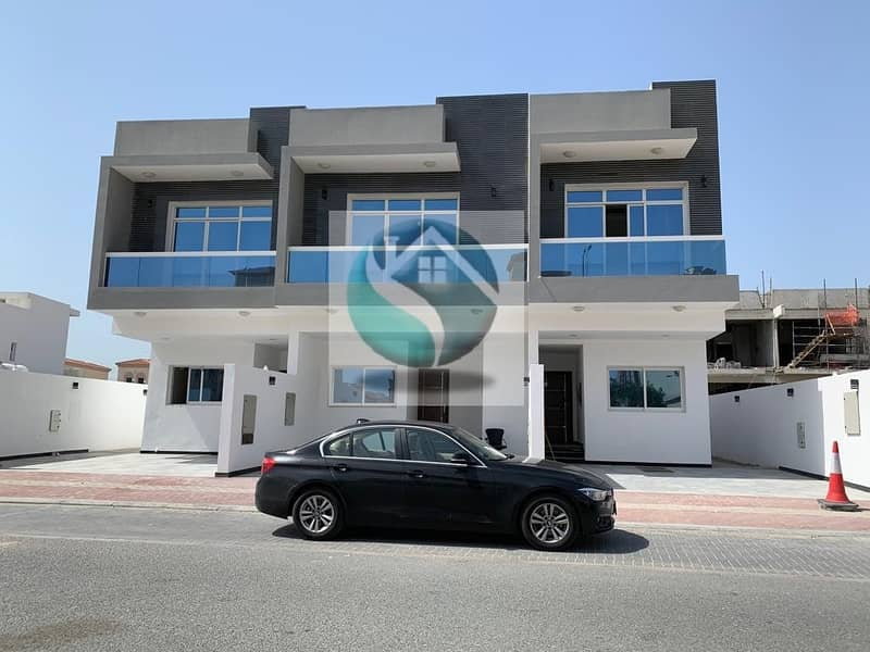 DISTRESS DEAL 2 BHK PLUS MAID TOWN HOUSE IN JVT
