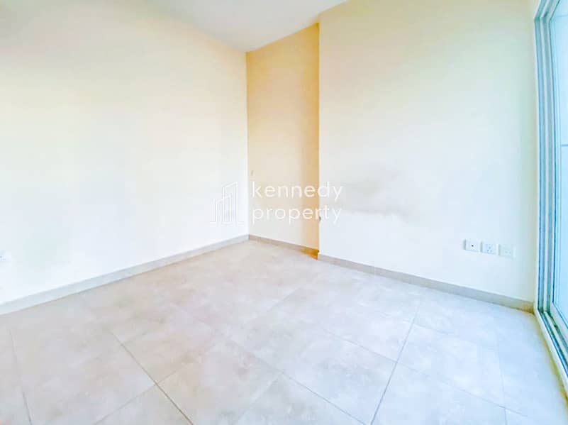 2 Well Priced I Vacant on Transfer I Lake View