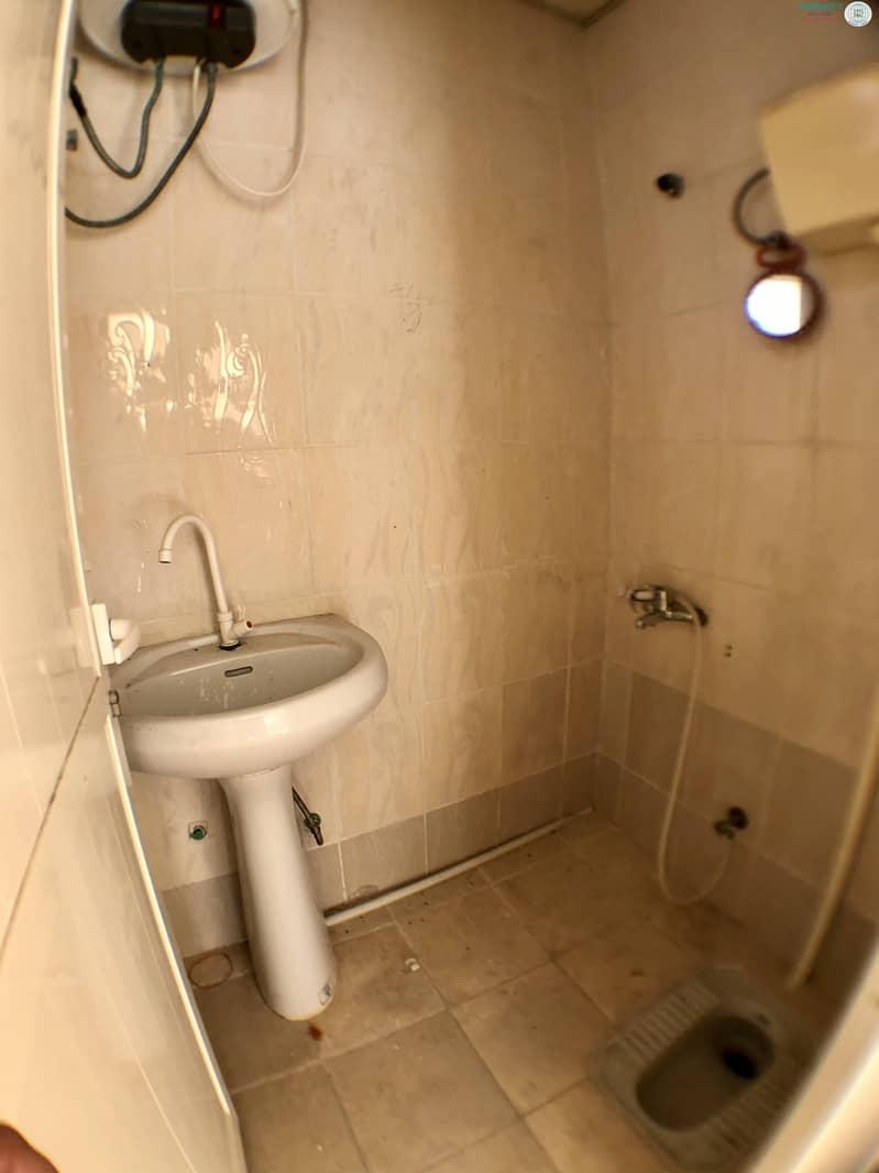 16 3 B/R Hall villa available in Al Qadisiya Area