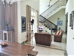 OUTSTANDING | Upgraded Central Lake View | 4 Bed